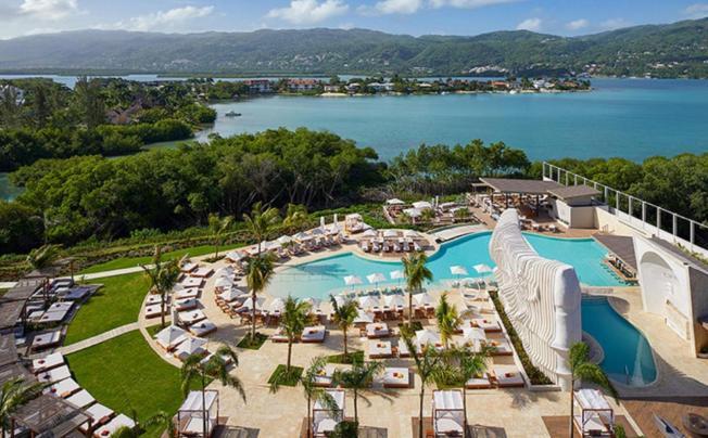 Отель Breathless Montego Bay Resort & Spa