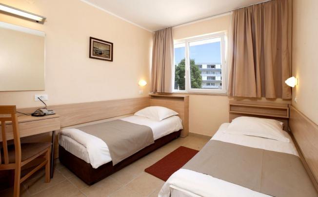 Отель Delfin Hotel Plava Laguna