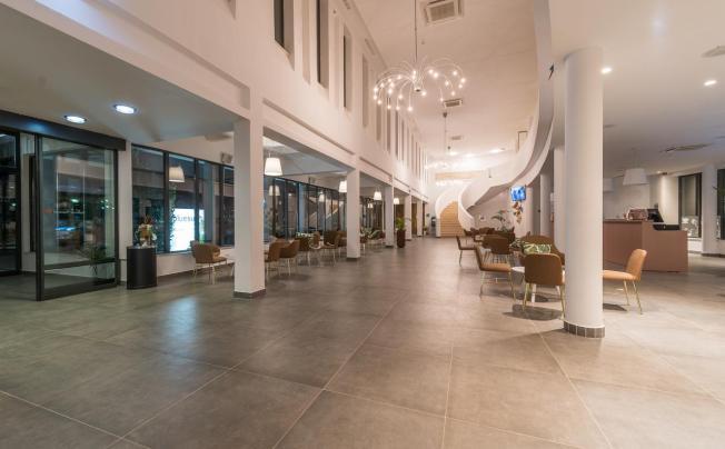 Отель Bluesun Hotel Alan (ex. Neilson Alana Beachclub)