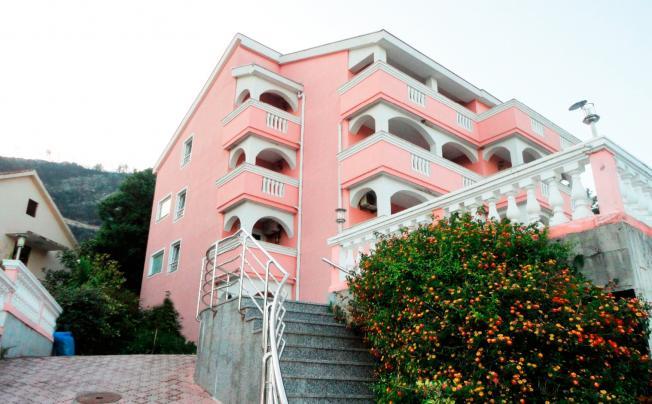 Tamara Apartments
