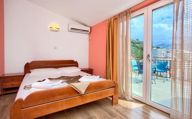 Mazarak Apartments
