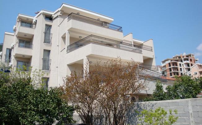 Villa Pima Apartments