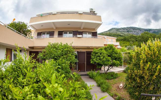 Villa Milica Apartments