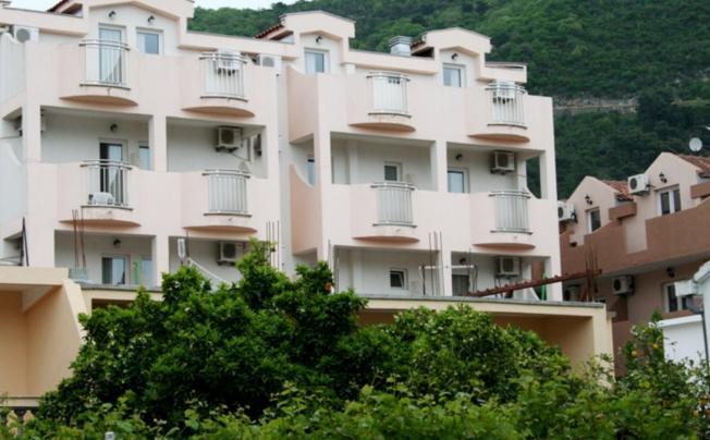 Suzana Hotel