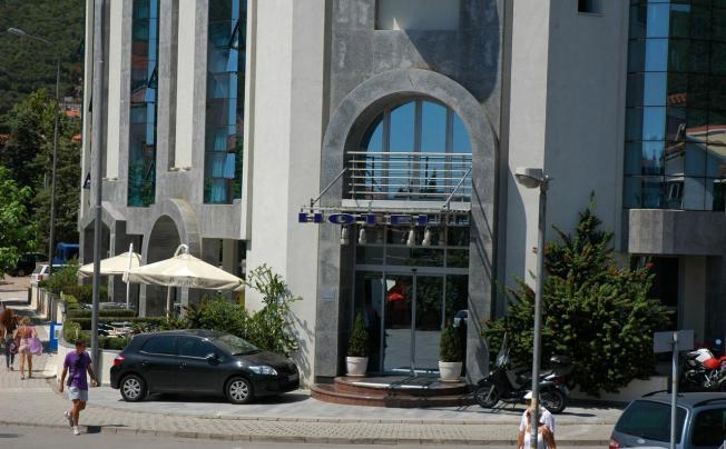 Blue Star Hotel