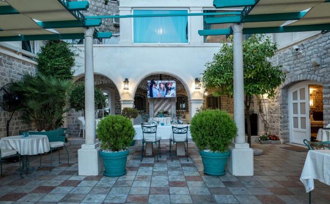 Отель Azimut Hotel
