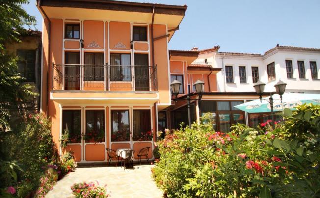 Отель Alafrangite Hotel