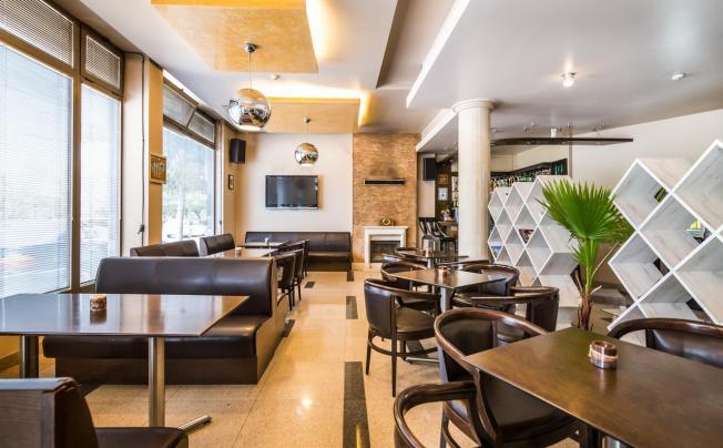 Отель Business Hotel Plovdiv