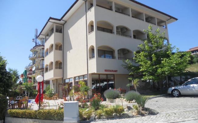 Отель Yuzhni Noshti Hotel