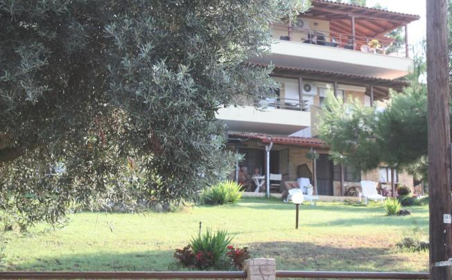 Отель Bambola Apartments