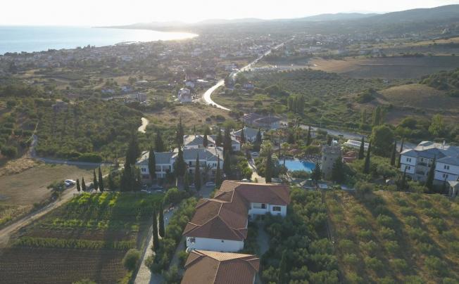 Отель Geranion Village