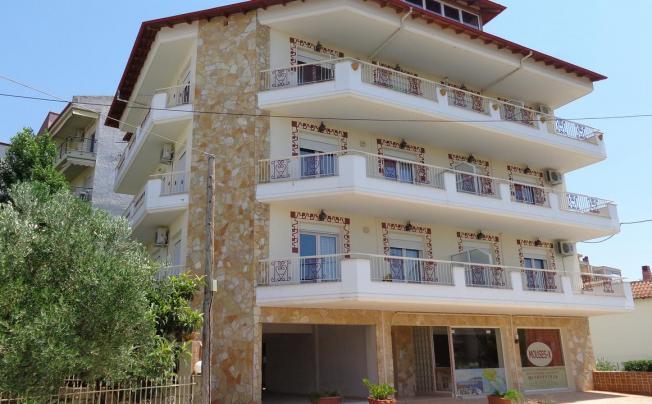 Отель Mouses-x Apartments