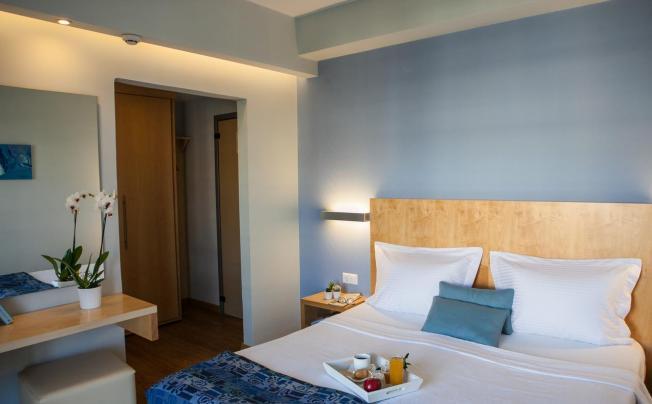 Отель Kronos Hotel