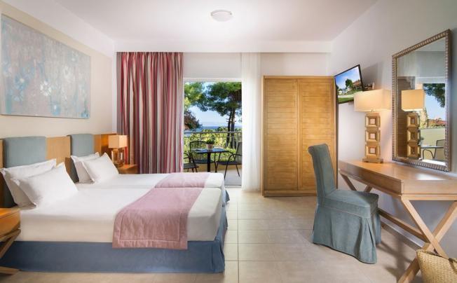 Отель Alkion Hotel Kriopigi