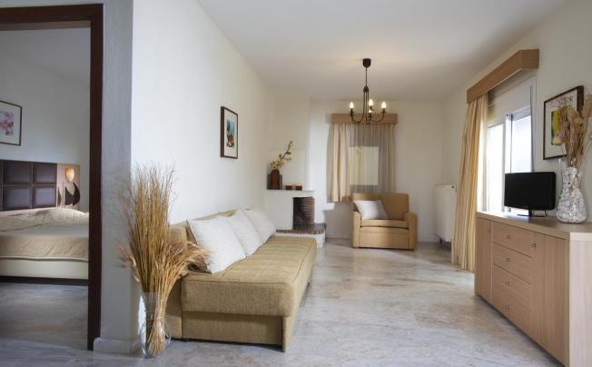 Отель Chrousso Hill Apartments