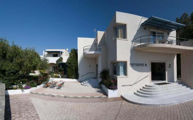 Отель Papadakis Apartments