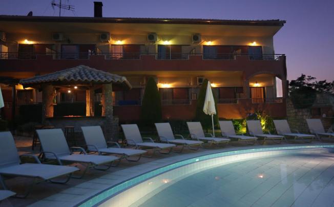 Отель Zeus Hotel Afitos