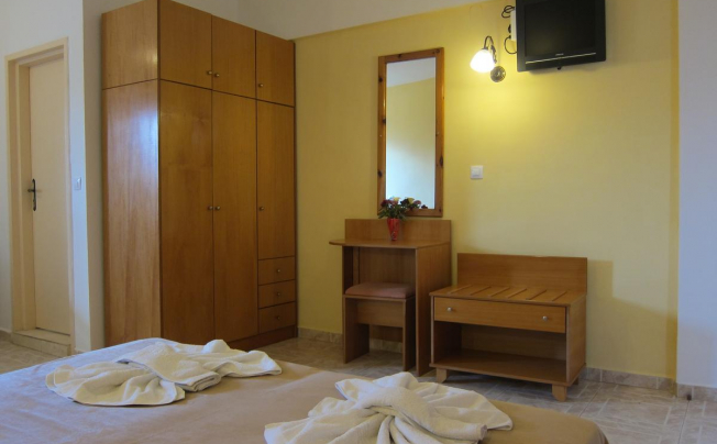 Отель Baladinos Apartments