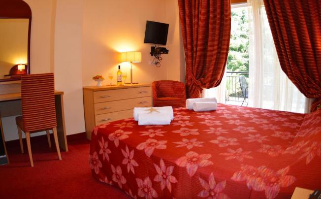 Отель Petros Italos Bed & Breakfast