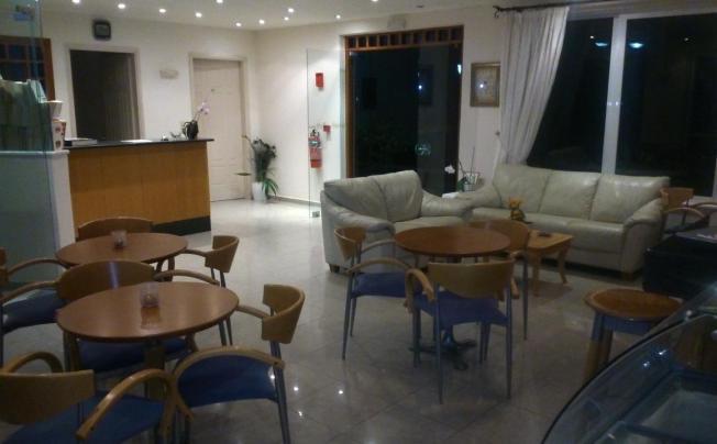 Отель Pella Steve Ii