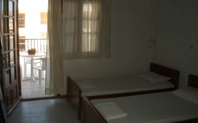 Отель Tzogalis Apartments