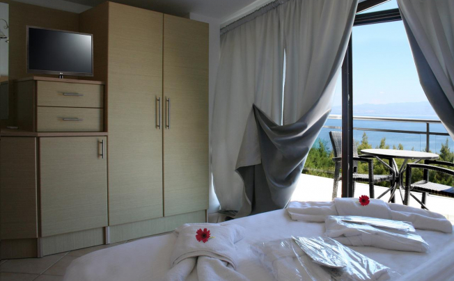 Отель Paressa Villas