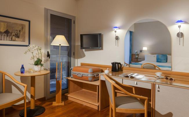 Отель Tropical Hotel Athens