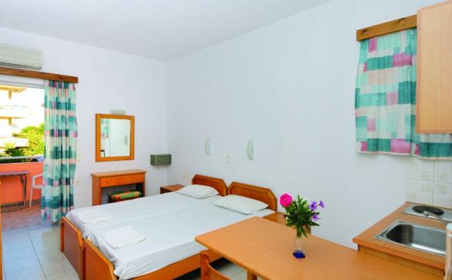 Отель Alexandros Apartments Agia Marina