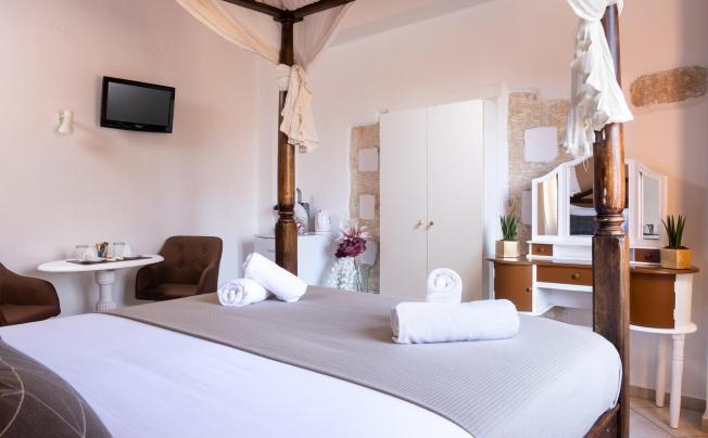 Отель Artemi's Rooms