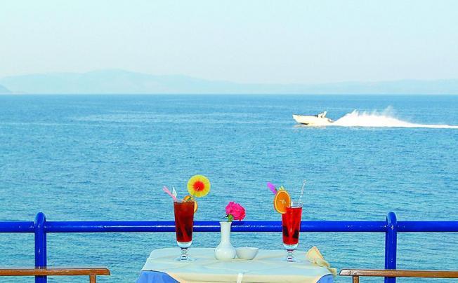 Отель Attica Beach Hotel