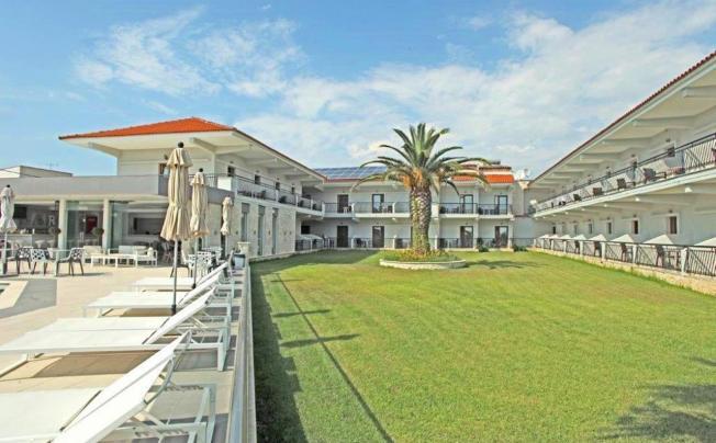 Отель Aristotelis Hotel Fourka