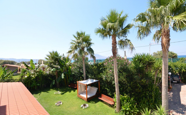 Отель Thalassa Apartments
