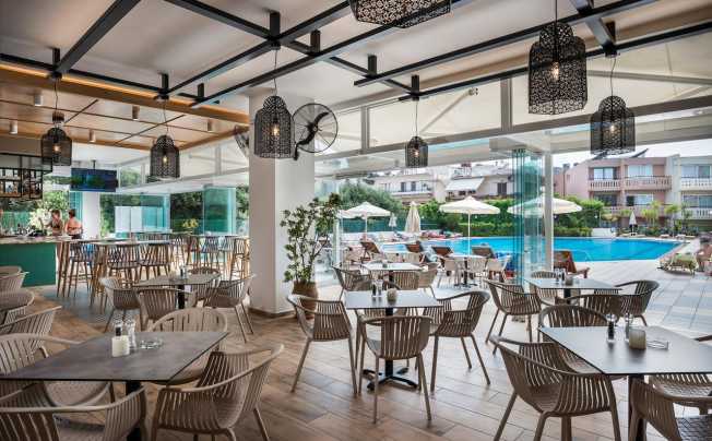 Отель Atrion Resort Hotel & Apts