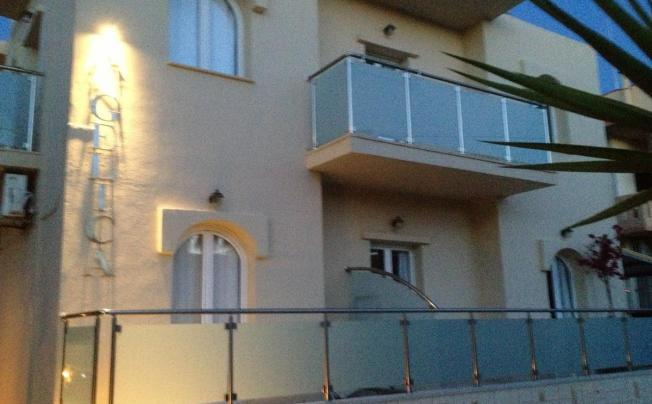Отель Angelica Studios & Apartments