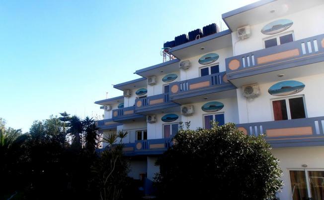 Thodorou Studios Aparthotel