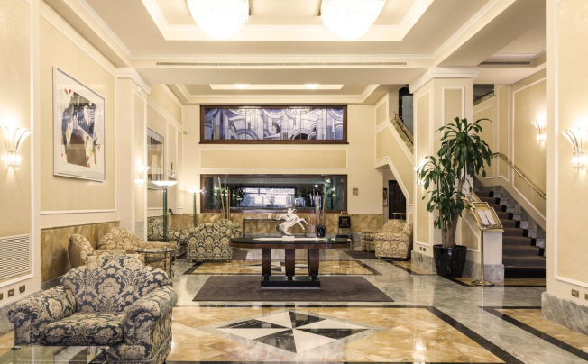 Отель Adi Doria Grand Hotel