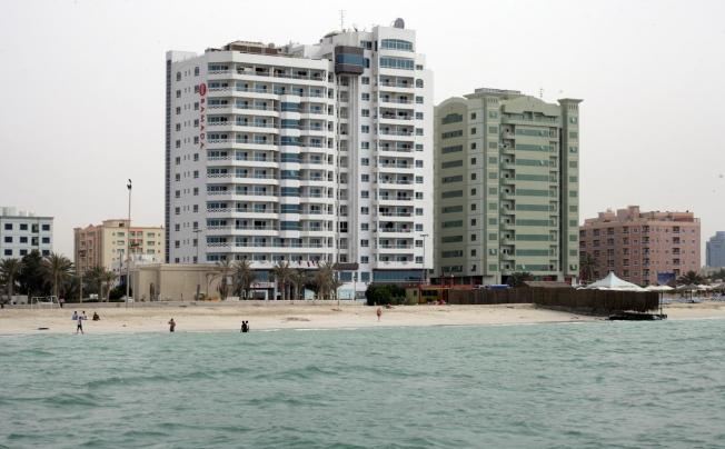 Ramada Beach Hotel Ajman (ex. Landmark Suites Ajman; Coral Suites)