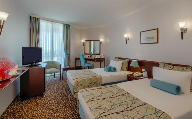 Отель Best Western Plus Khan Hotel