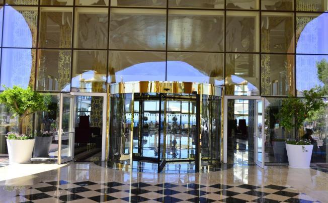 Отель Azura Deluxe Resort & Spa