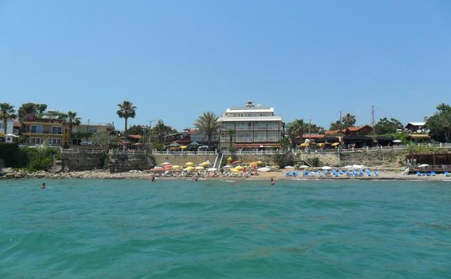 Отель Beach House Hotel