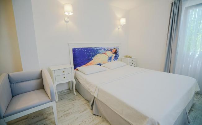 Отель Art Suites Hotel