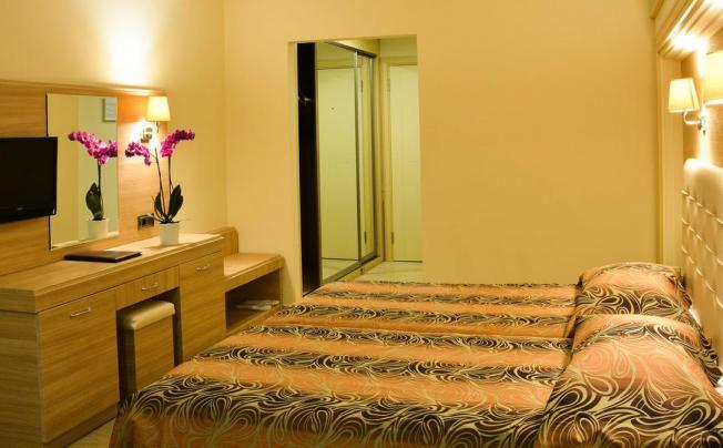 Отель Azka Hotel