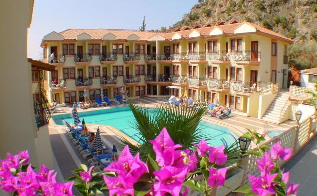 Отель Belcehan Beach Hotel