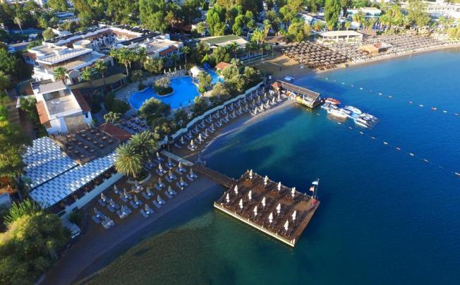 Отель Izer Hotel & Beach Club