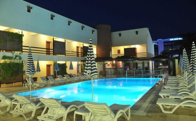 Отель Armas Park Hotel (ex. Feronia Hills Hotel)