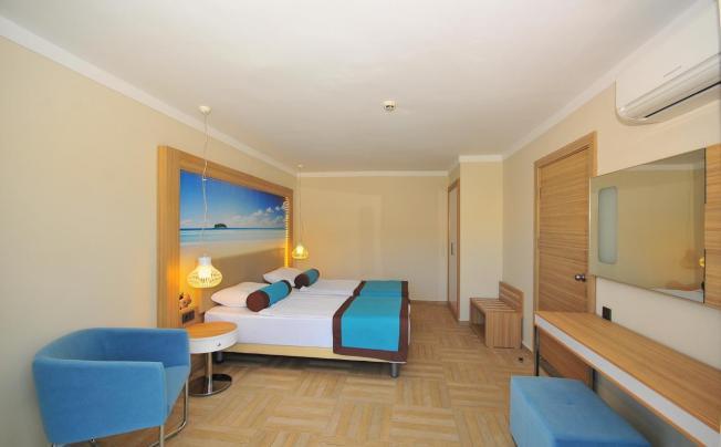 Отель Blue Bay Platinum Hotel (ex. Blue Bay's Standart)