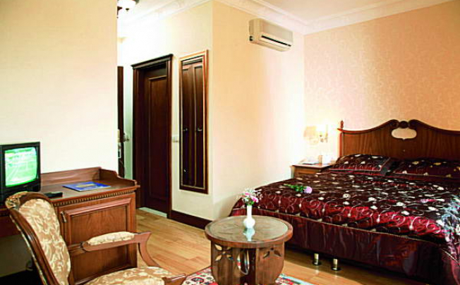 Отель Best Western Obelisk Hotel