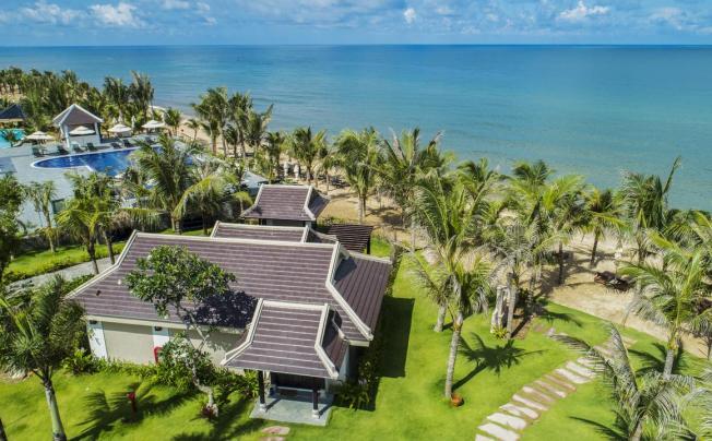 Отель Anja Beach Resort & Spa (ex. You And We Phu Quoc Resort)