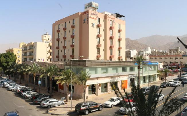 Отель Raed Hotel Suites (al Raed)