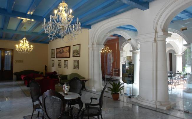 Отель Santa Isabel
